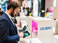 03_Alcatel_booth_CES_2018